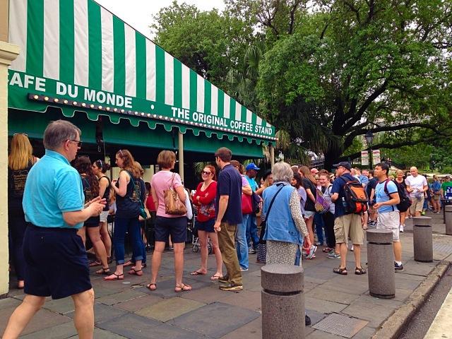 Line at Cafe Du Monde